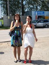 na dezert (horké maliny se zmrzlinou) sme už neměli místo, takže sme zvolili točenou zmrzku :-) Ta se vešla :-) Vanilka a mojito...mňam :-)