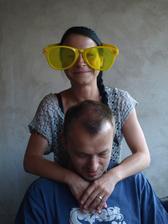 nasadila sem si žluté brýle...hned ten svět ještě víc září :-)