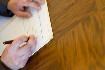 a ještě to stvrdit podpisem.. :-)