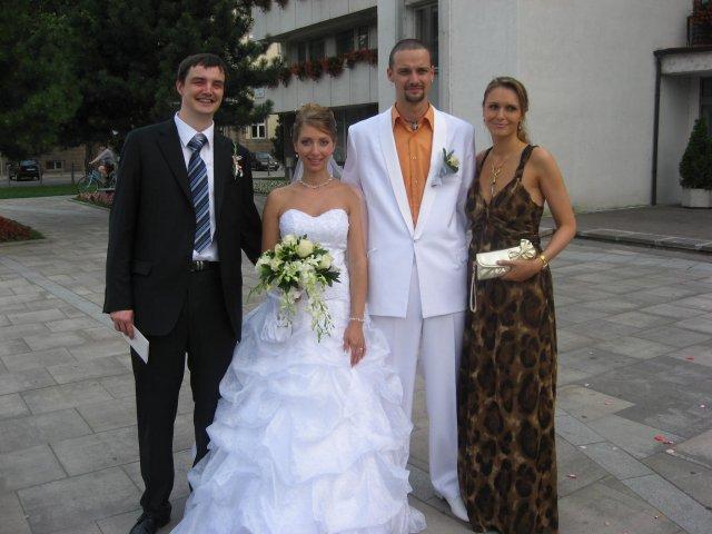 Iveta{{_AND_}}Peťo - macinov brat s priateľkou