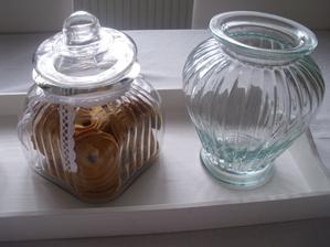 no a bez tejto dozy+vazy sa nedalo odist z toho obchodu :)uz iba biele tulipany alebo pivonie  musim zohnat :)