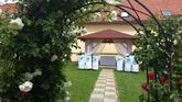 Svatební altánek na zahradě