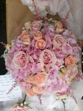 astilbe, hortenzie a mix růží