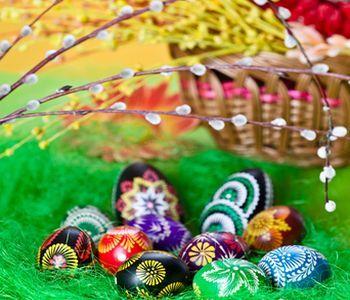 Veselú Veľkú noc, dievčatám/ženám veľa šibačov a vody, chlapcom/chlapom veľkú nádielku praje Erika s rodinou... - Obrázok č. 1