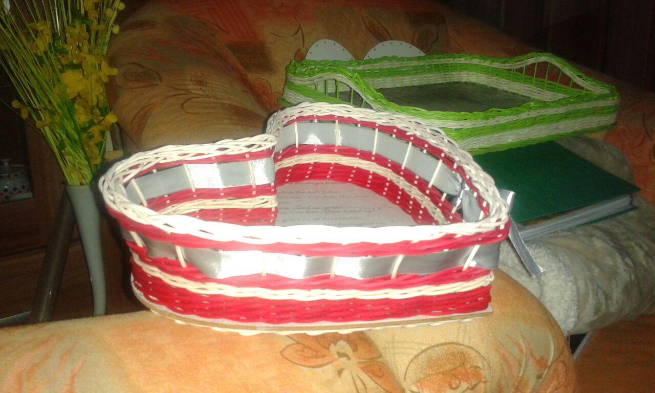 Keď tvorilkujem - Srdiečkový košíček ako darček pre kamaráta, ktorý sa 25.07. žení :-)