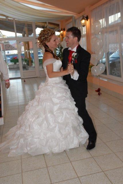 Mrs.Tennant{{_AND_}}Mr. Tennant - prvy manzelsky tanec