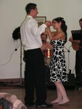 ......a tančilo....