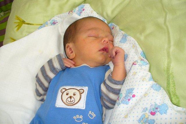 Naš výroční dáreček - Martínek, narozený 11.6 2009 3200g 51cm