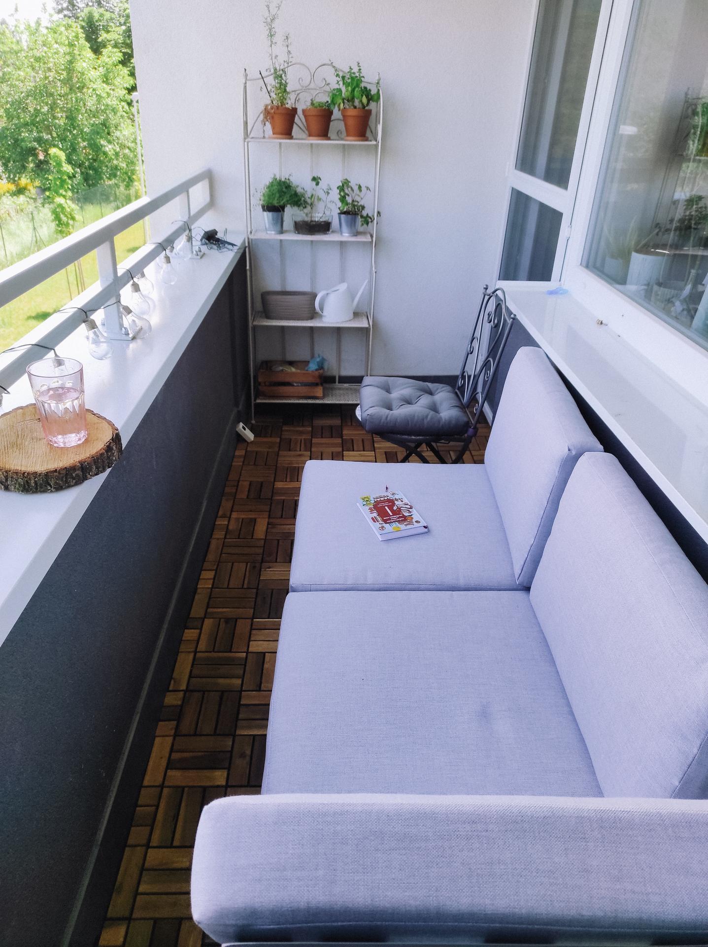 Byt snov - Od včera môžeme sedieť na balkóne! Toto bol môj sen,že nie len sedieť,ale aj ležať, čítať,užívať si pohodu.