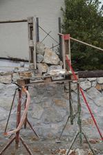 Začal sa stavať prvý stĺpik.