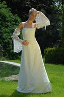 vítězné šaty na camey na modelce