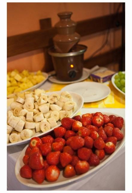 Radka{{_AND_}}Tomáš - čoko fontána s belgickou čokoládou a ovocem, něco neuvěřitelně dobrého