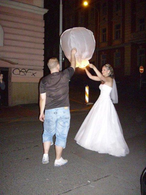 Radka{{_AND_}}Tomáš - půlnoční lampiony s přáním