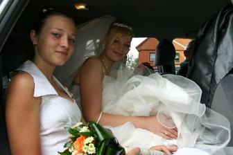 V autě s mou družičkou Jindřiškou