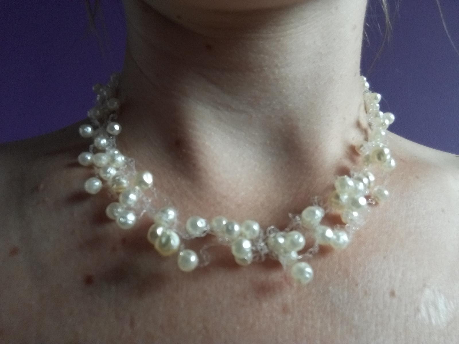 Korálkový/perličkový náhrdelník + 2 páry naušnic - Obrázek č. 2