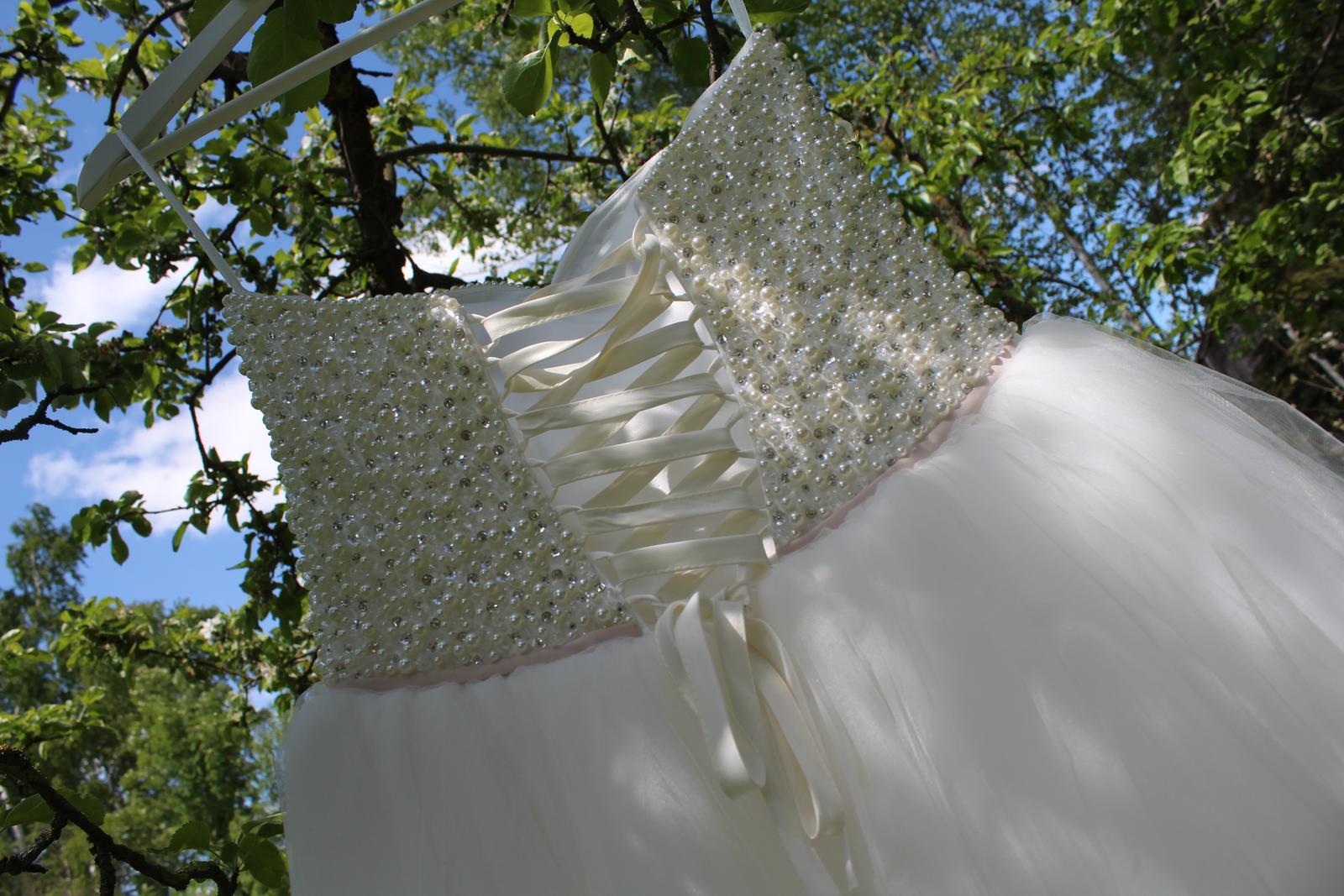 Princeznovské svadobné šaty - Obrázok č. 4