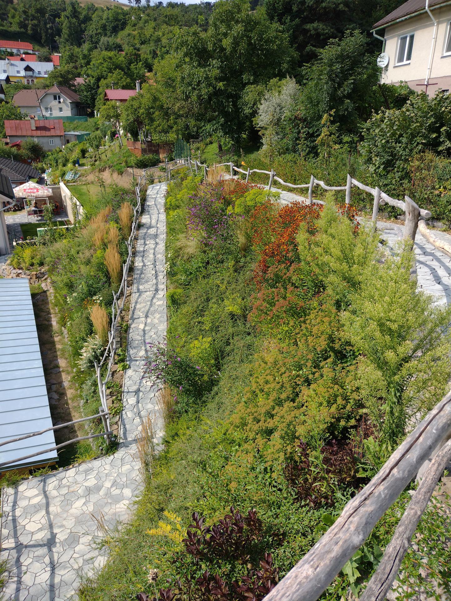 12. GreenSteel - vegetačný strmý svah ( doplnené 18.8.2021 )