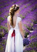 Krajkové svadobné šaty s výstrihom na chrbáte, 38