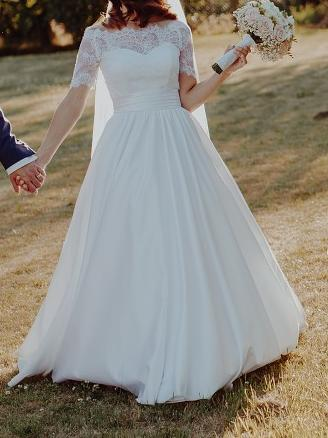 Snehovobiele svadobné šaty - Obrázok č. 1