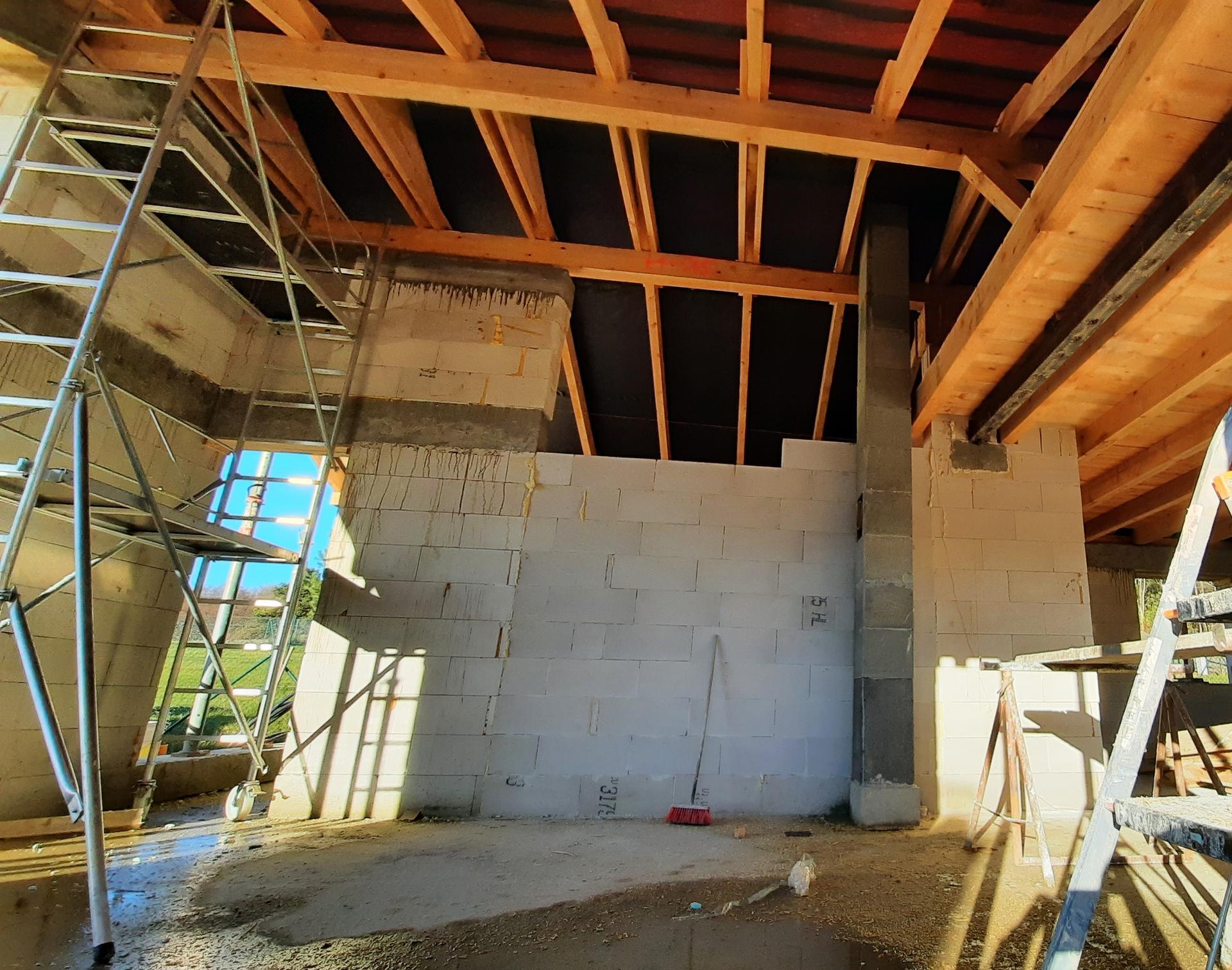 Bungalov 1871 - Detail - otvoreny strop, v obyvacke strecha uz je hotova - 21.11.2020