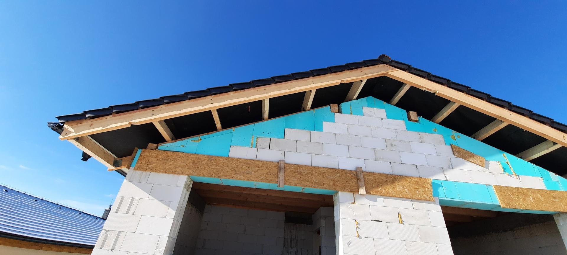 Bungalov 1871 - Detail - ukoncenie strechy bez priznanych pomurnic a vrcholovych vaznikov