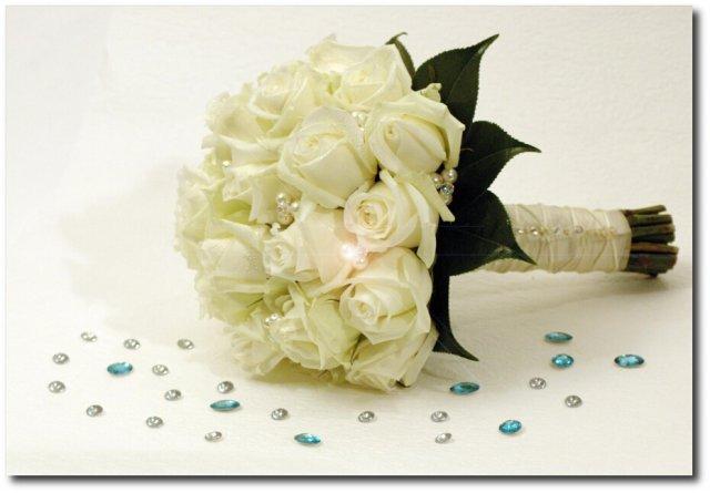 Svadobne pripravy-uvod a inspiracie - tuto kyticku si dám spravit, ale s maslovymi ružami