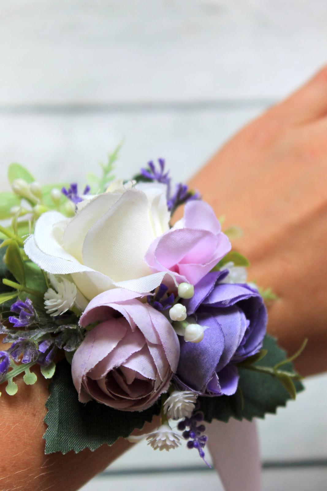 Kvetinové náramky pre družičky so stuhou - Obrázok č. 3