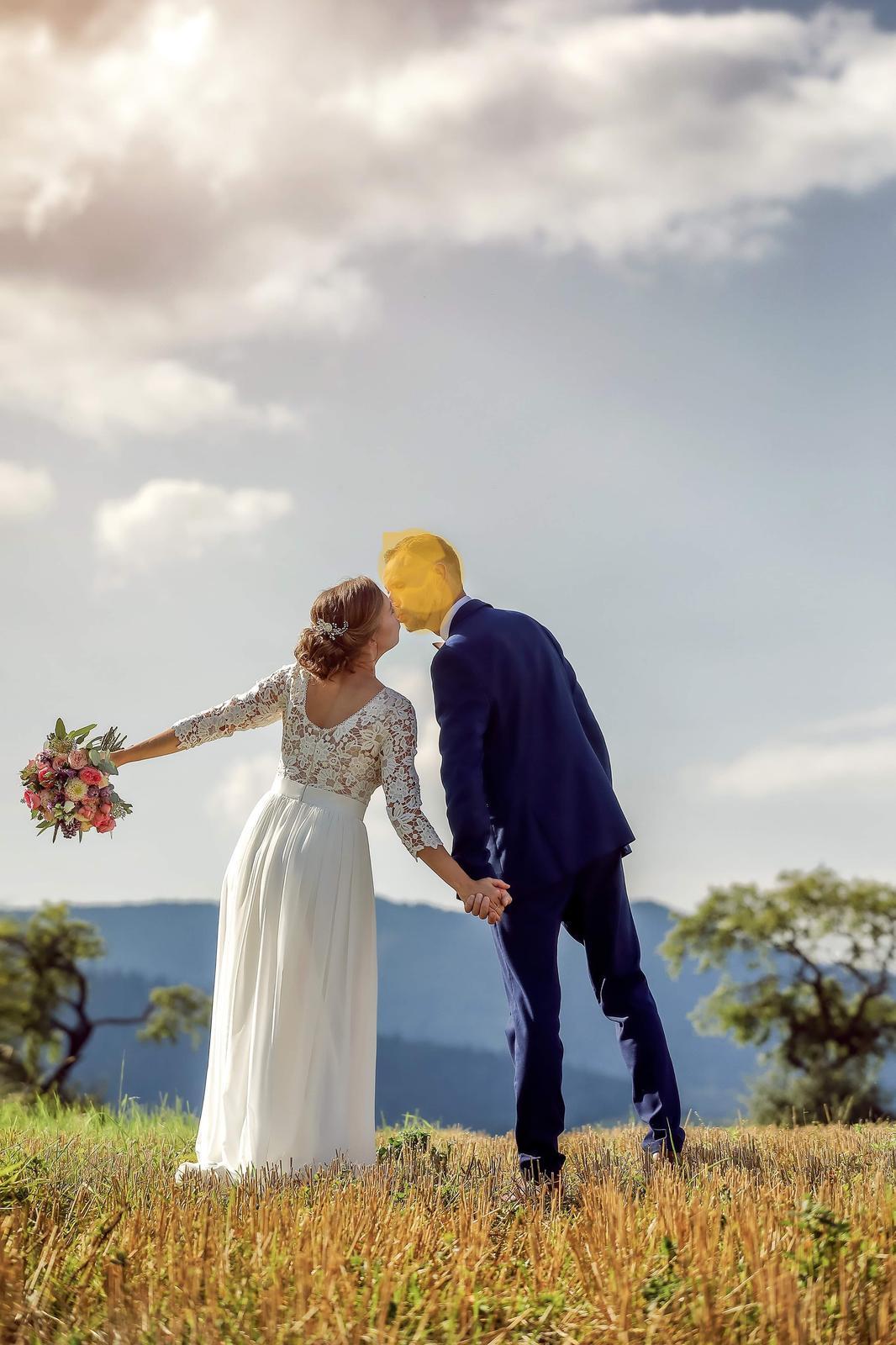 Jednoduché svadobné šaty - Obrázok č. 2