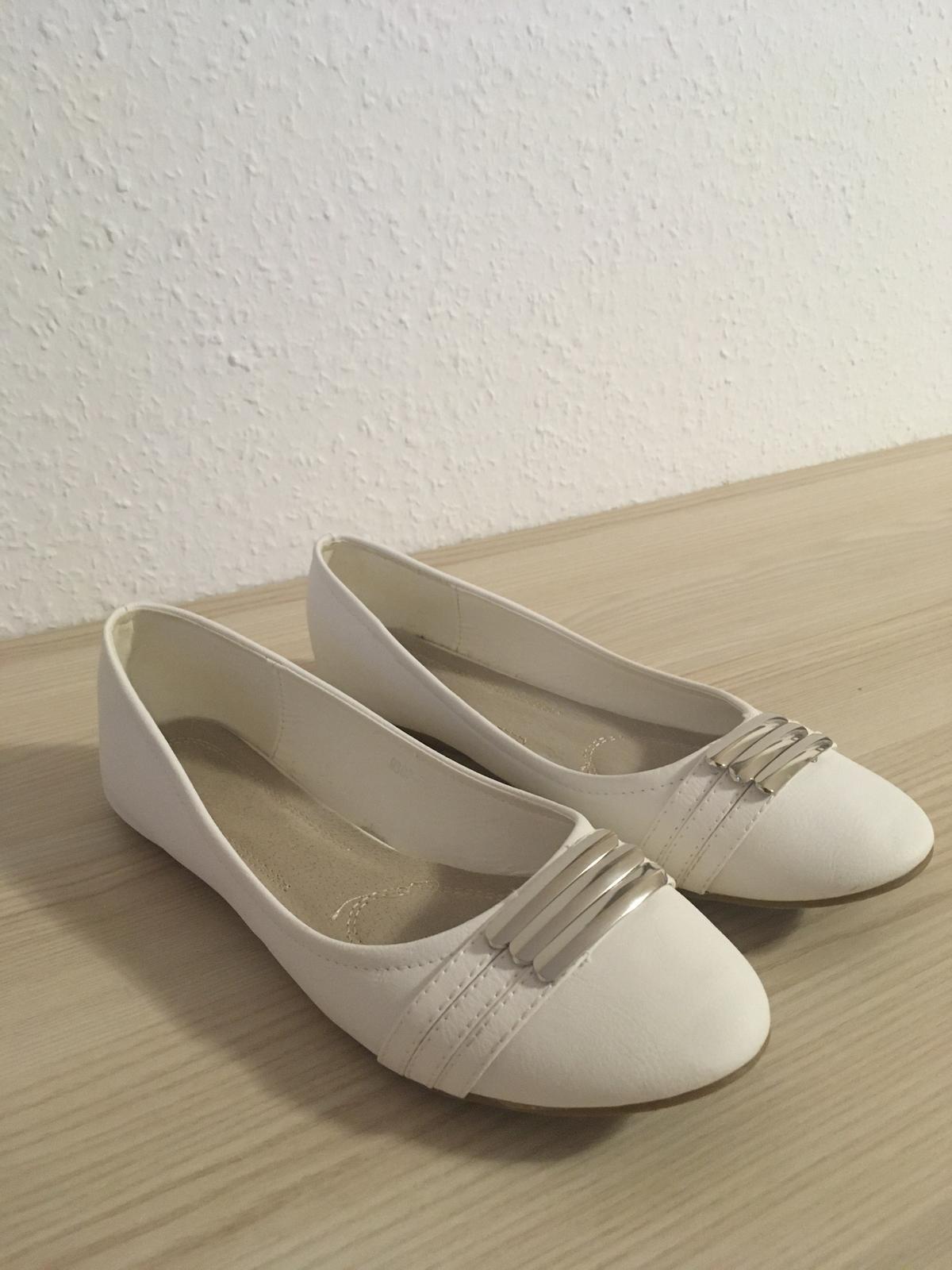 Bílé baleríny 39/40 - Obrázek č. 1