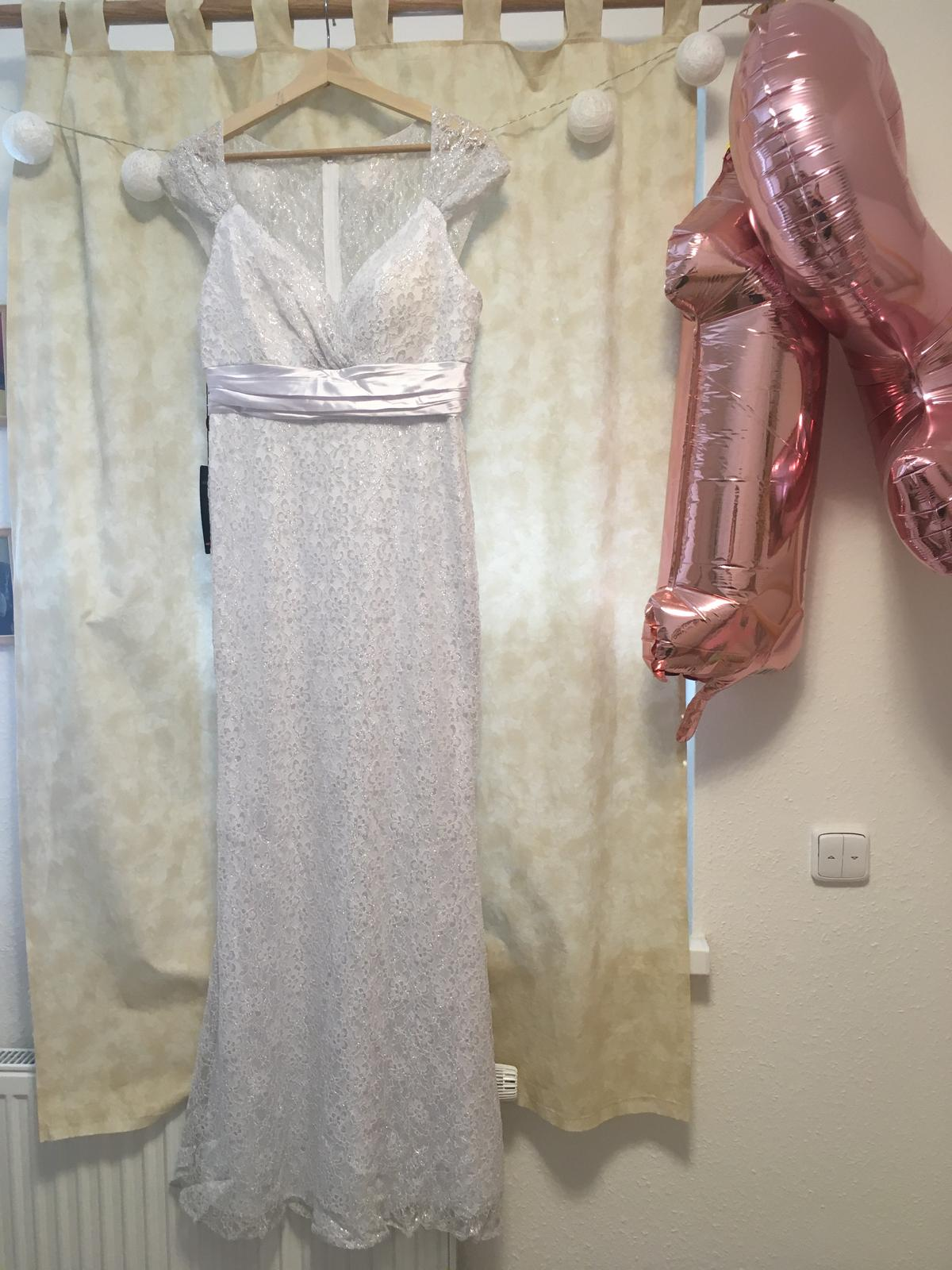 Krajkové šaty ePretty - Obrázek č. 1