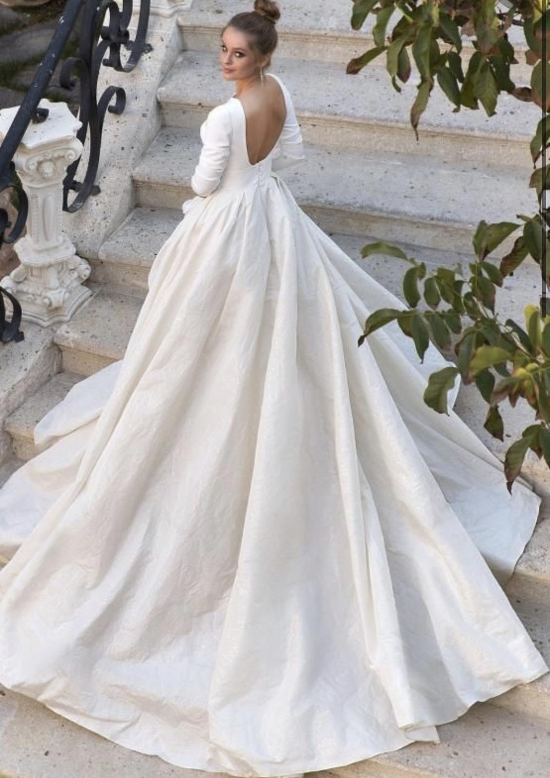 Luxusní nové svatební šaty s visačkou vel.42 - Obrázek č. 1