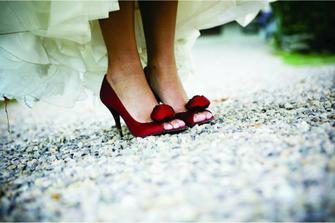 urcite chcem cervene topanocky k satam svadobnym nieco na tento styl :)))