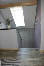 horní chodba se schodištěm