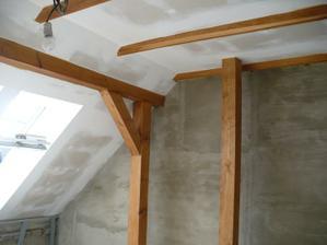 natíráme dřevo v pokojích