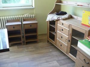 Leksvik Ikea - noční stolky a příborník. Vysoký příborník mě ještě čeká (: