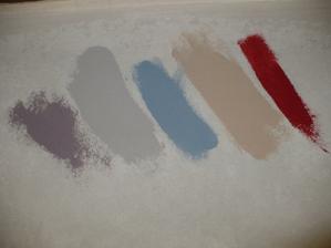 vybrané barvičky. Fialová se šedou chodba, modrá a červená dětský pokoj a béžovohnědá ložnice (: