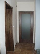 dveře dole - ořech