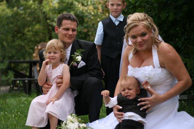 Evka Polubňáková{{_AND_}}Maroš Spielmann - najmenší svadobčania