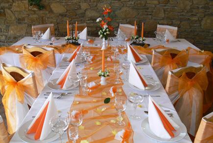 :-) - výzdoba bude oranžová