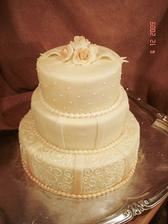 Paní, která nám bude dělat dort je naprostá kouzelnice, velmi šikovná