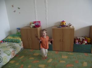 Simuš v rozletu, Mno hraček ,,haba kuk,, a nebylo kde je pořádně roztahat. Teď už na to prostor má :-) Sic prozatimní ale je :-)