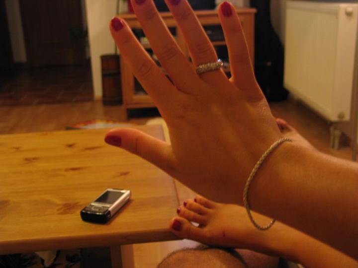 Moje predstavy - zásnubný prstienok - deň po tom,ako ma požiadal moj najdrahší o ruku :-)