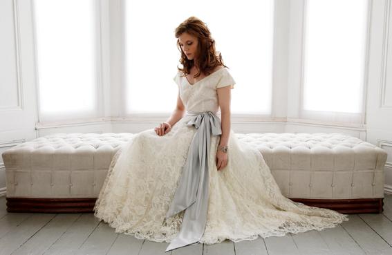 Vintage svatební šaty ;) - Obrázek č. 1