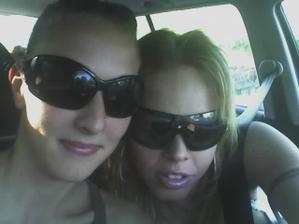já a moje sestřička=družička