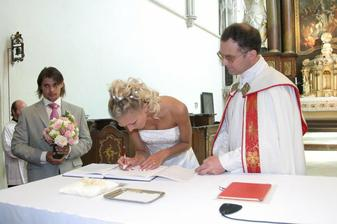 Ještě podepsat,trochu problém.Když jsem si nechala obě jména.