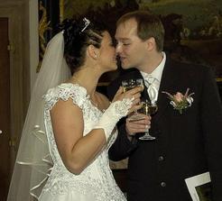 První novomanželský přípitek