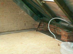 Este trocha betonu do podlahy