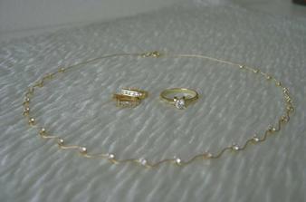 Takové budu mít šperky (taky nešly zaostřit :-() ...