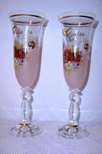 Tyto skleničky dostaneme jako svatební dar od kolegů z práce.