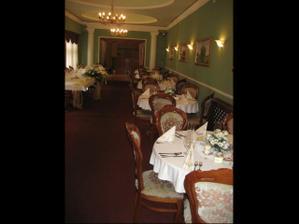 A takto nam vyzerala vyzdobena restauracia